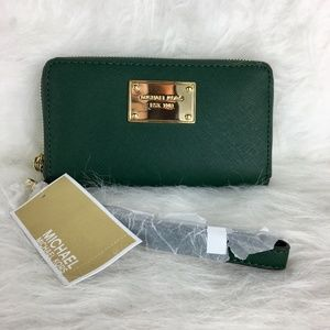 Michael Kors Green Wallet/Phone Case/Wristlet NWT